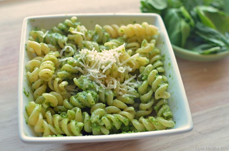 High Iron meals for kids: spinach pesto over noodles