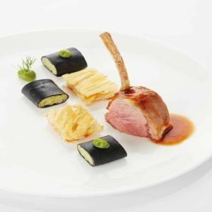 Gemengde groene salade met halfzacht gekookte eieren - Recepten - Culinair - KnackWeekend.be