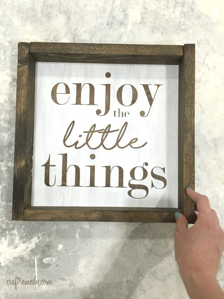 How to make this DIY wood sign without power tools! Love the farmhouse look.