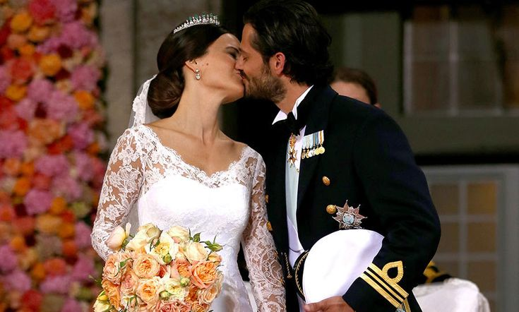 Prince Carl Philip and Princess Sofia of Sweden are honeymooning in Fiji