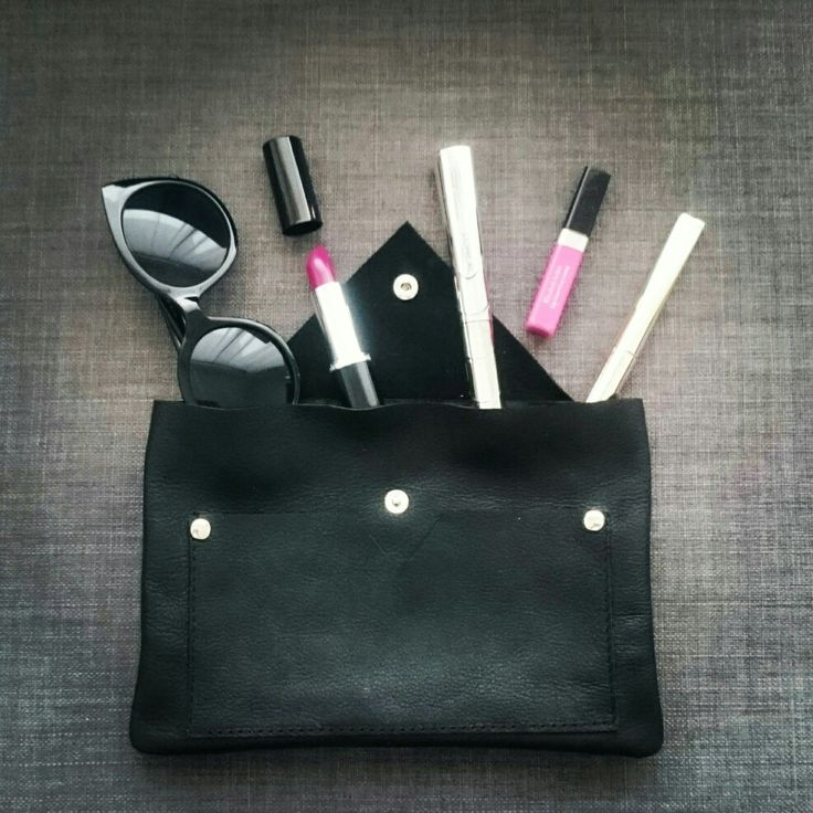 Leather clutch by disorti