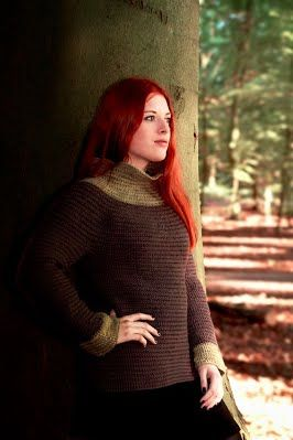 Needlebound / nalbound sweater, made by (and for sale) @ Idunas Hantverk {Iduna's Handicraft}  ~  Please see link for more info [in Swedish]!