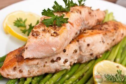 Receita de Salmão grelhado com gengibre em receitas de peixes, veja essa e outras receitas aqui!