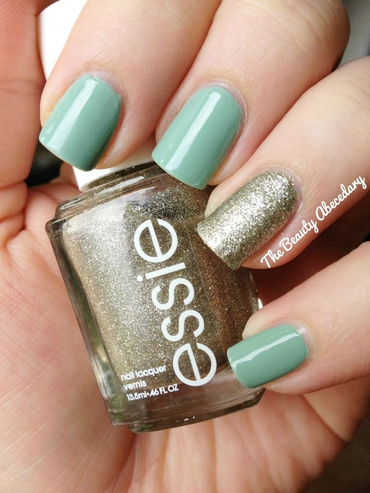 Essie Beyond cozy on the accent nail, with Julep Kam on all other nails, in natural light #nailpolish #essie #julep #essienailpolish #accentnail
