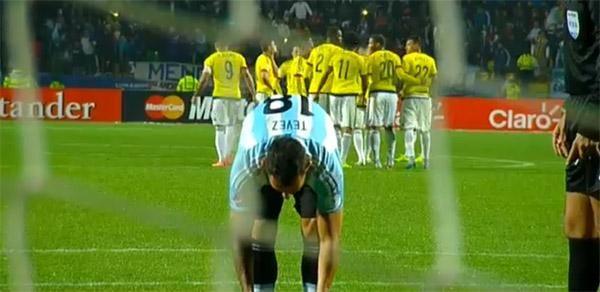 argentina colombia tevez calci di rigore copa america cile 2015