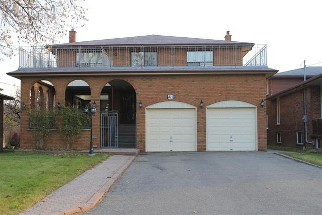 RICHMOND HILL (ON) EXTRA Large Custom Built 2 Storey brick house. Massive principle rooms with multiple sizes. Going for $1,698,000.00. http://www.century21.ca/Property/100826561