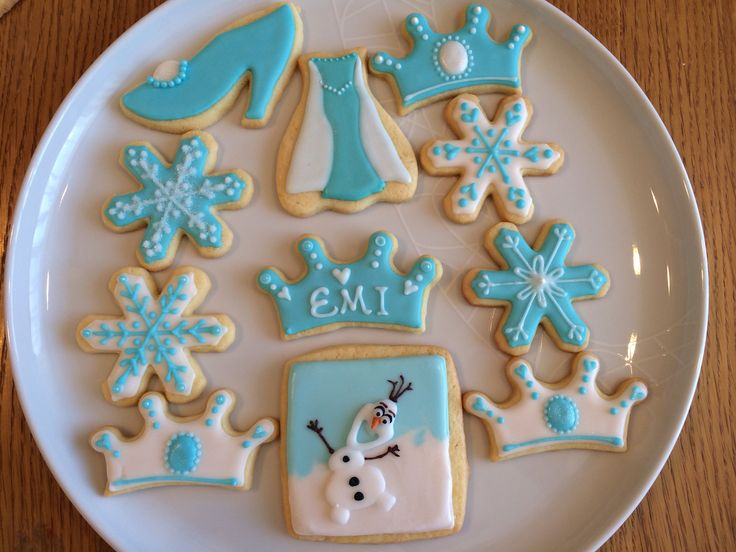 disney frozen themed cookies