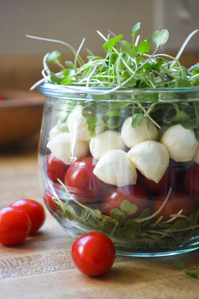 Caprese Salad to go! I'm in love with this idea!