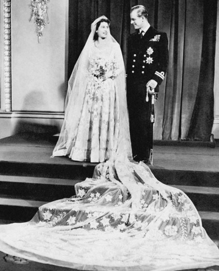 Queen Elizabeth Wedding Gown: 16 Best Queen Elizabeth In Purple Images On Pinterest