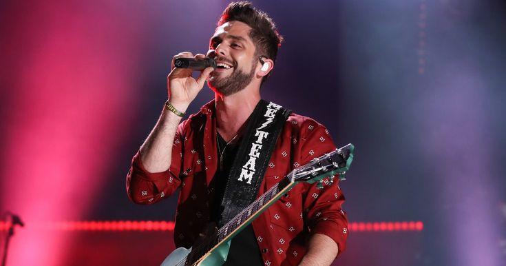 Hear Thomas Rhett Tell His Own Love Story In New Song Unforgettable Https Link Crwd Fr Edp Thomas Rhett Love Story Country Music
