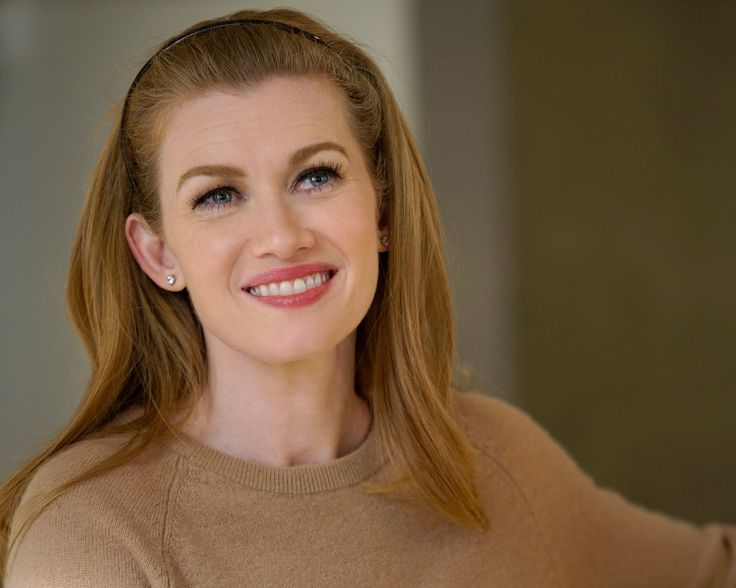 Steal Mireille Enos's Office Style from The Catch from InStyle.com