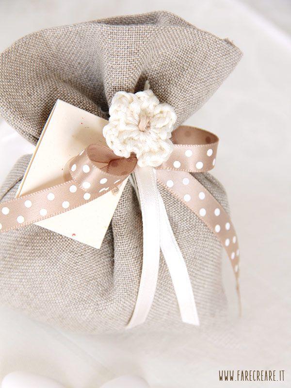 Sacchettino in lino per matrimonio: http://goo.gl/MXydMJ porta confetti