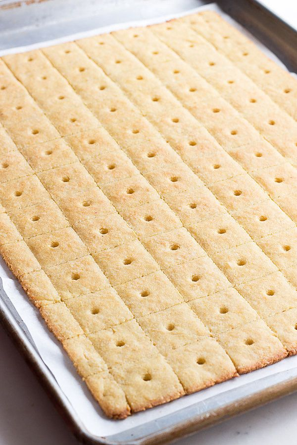 Healthy low carb Parmesan Cheese Crackers. Keto LCHF grain-free THM Recipe via @dreamaboutfood