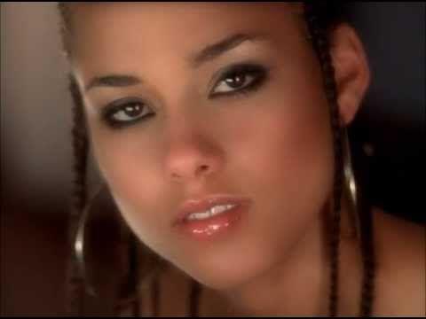 Alicia Keys - Fallin (Full Video/HQ) Simplesmente ando nesse ritmo e essa música é tão perfeita ....
