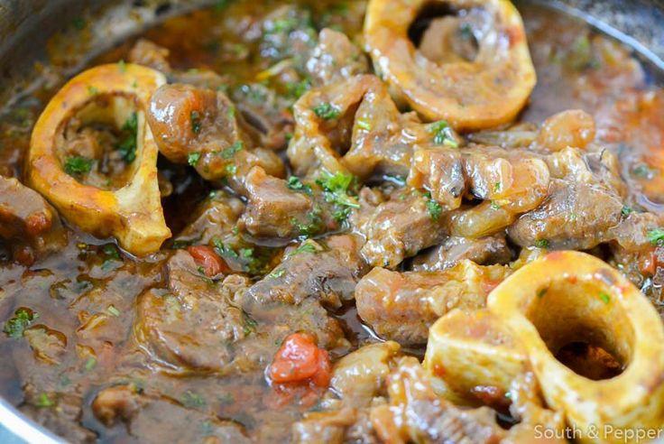 Ossobuco alla milanese is een klassiek gerecht uit Milaan. Leer hier hoe je stap voor stap dit heerlijke gerecht klaarmaakt. Buon appetito!