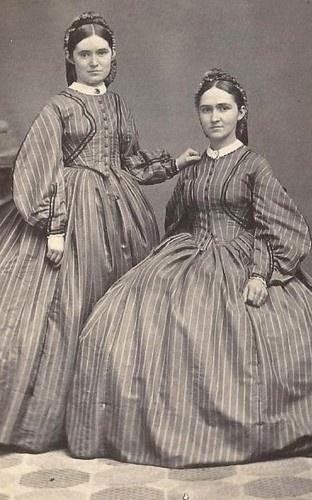 Civil War Era Beautiful Twin Young Women Matching Dresses Canandaigua NY | eBay