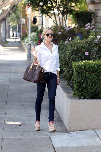 Kristin Cavallari wearing Ray-Ban RB 3025 Aviator Large Sunglasses in Metal Gun Louis Vuitton Speedy Bag