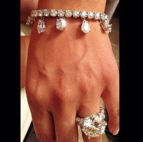 The Gorgeous 25 Carat Engagement Ring Given By Professional Boxer Floyd Mayweather To His Now Ex Fiance Shantel Jackson