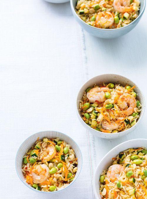 Riz frit à l'edamame et aux crevettes. mettre seulement 1 T de edaname et pas de sauce Mirin de Sambal oelek. mettre plus de crevette.