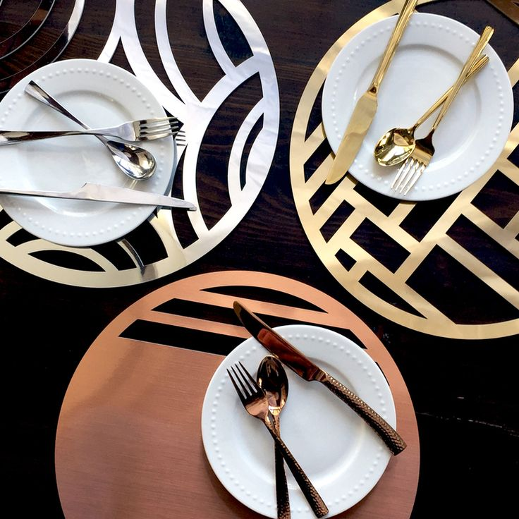 The placemat collection in laser cut chroma, makes entertaining and tabletop decoration easy and modern. Available in gold, silver, woodgrain and rose gold.