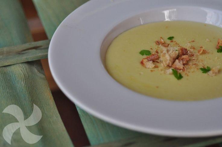 Crema de brócoli y manzana - https://www.thermorecetas.com/crema-de-brocoli-y-manzana/