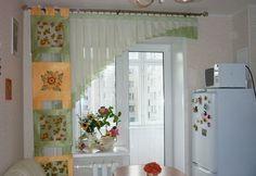 Шторы на кухне могут выполнять чисто декоративный характер