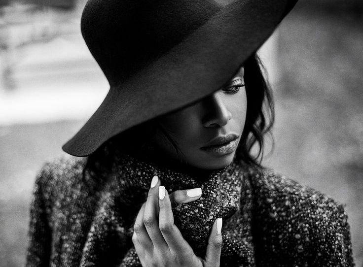 Modèle Trecey Francilot | Photographe Dariane Sanche #Mysterious #women #editorial #blackandwhite