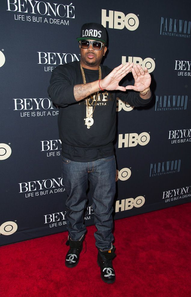 ... great fit celebrity sneaker watch the dream flips off paparazzi in jordan  son of mars 67c0a ... abbfbae523a0