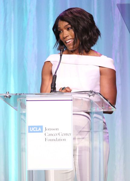 """Angela Bassett Photos Photos - Host Angela Bassett speaks onstage at the UCLA Jonsson Cancer Center Foundation Hosts 22nd Annual """"Taste for a Cure"""" event honoring Yael and Scooter Braun at the Regent Beverly Wilshire Hotel on April 28, 2017 in Beverly Hills, California. - UCLA Jonsson Cancer Center Foundation Hosts 22nd Annual 'Taste for a Cure' Event Honoring Yael And Scooter Braun"""