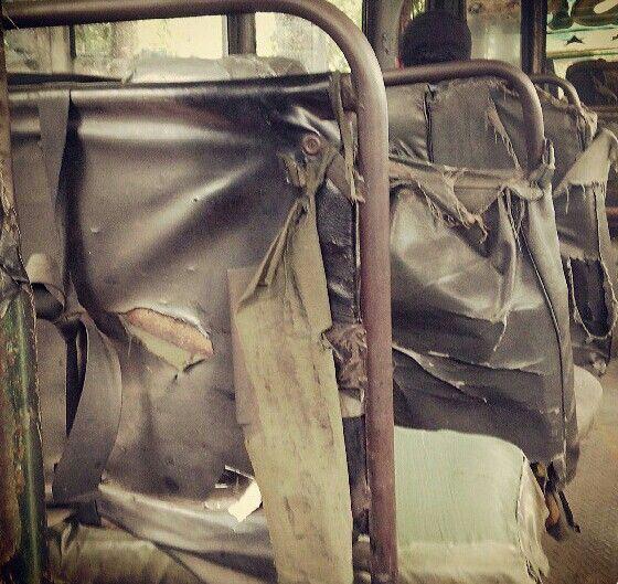 Salah satu potrait angkutan umum indonesia yang masih digunakan saat ini.