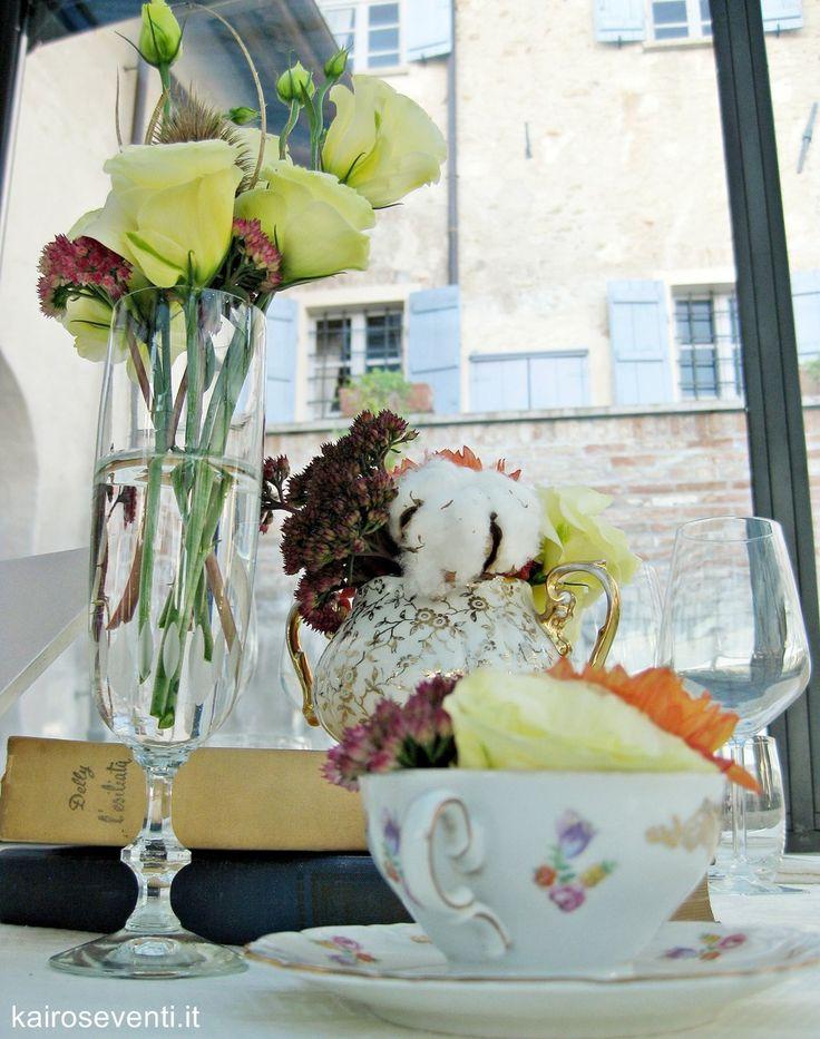 Centerpiece vintage - centritavola vintage. Wedding designer & planner Monia Re - www.moniare.com   Organizzazione e pianificazione Kairòs Eventi -www.kairoseventi.it   Foto Oscar Bernelli