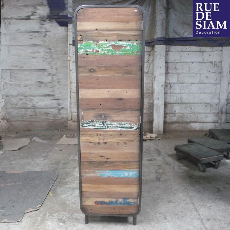 armoire une porte num rot e fa ade en v ritable bois de. Black Bedroom Furniture Sets. Home Design Ideas