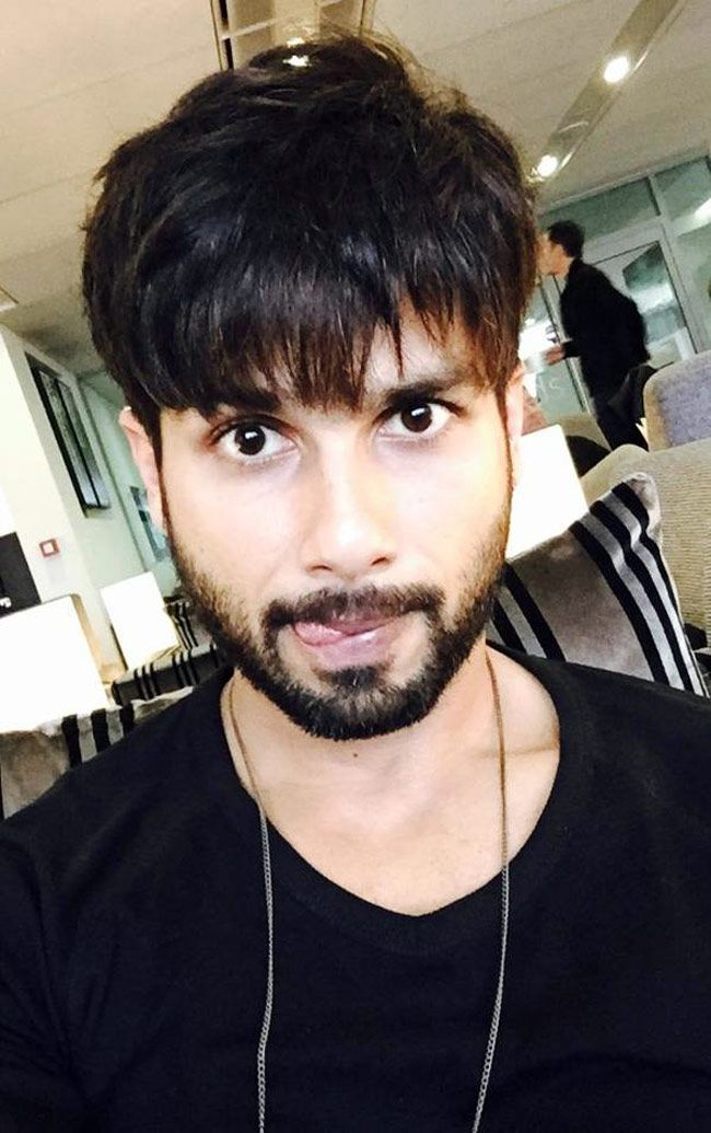 Shahid Kapoor on the sets of Shaandaar. #Bollywood #Fashion #Style #Handsome