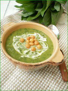 Nici ca se poate o supa mai delicioasa decat acesta supa crema cu dovlecei si leurda !