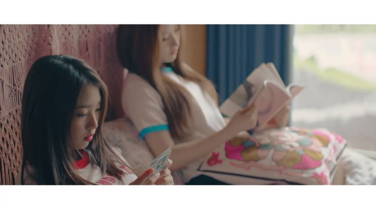 LOONA's Choerry Has Released Her Solo Music Video for 'Love Cherry Motion' | Koogle TV