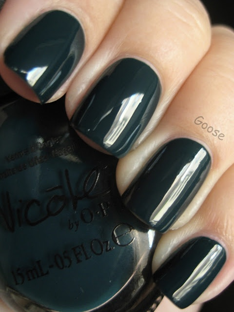 Goose's Glitter: charcoal