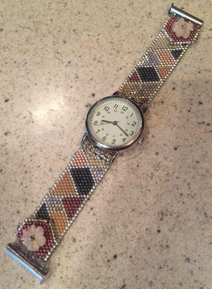 Geometric Delica Beaded Bracelet