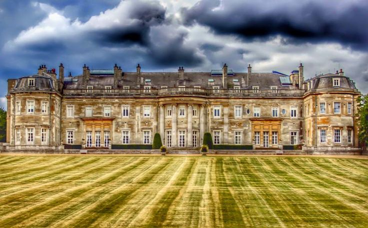 Lovely pic! RT @LutonHooHotel Fantastic moody shot of the Mansion House taken by guest Jason Gardner.
