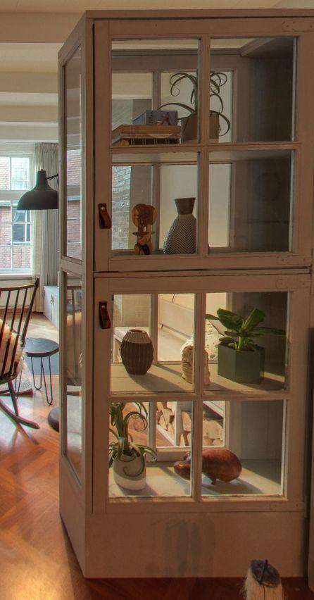 Gezien in aflevering Verbouwen of Verhuizen van VT-Wonen. Deze vitrinekast komt van Combitex, en ik ben verliefd! #combitex #vtwonen #vitrinekast