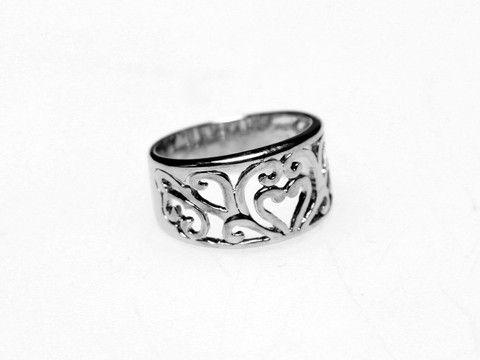Filigree Ring Silver: Romantic feminine design of Filigree ring elegantly compliments everyday looks. $25.00