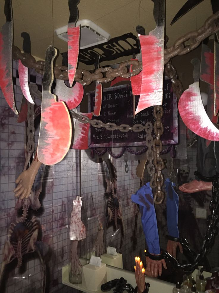 Chop shop bathroom halloween 2015 my own props for Haunted bathroom ideas