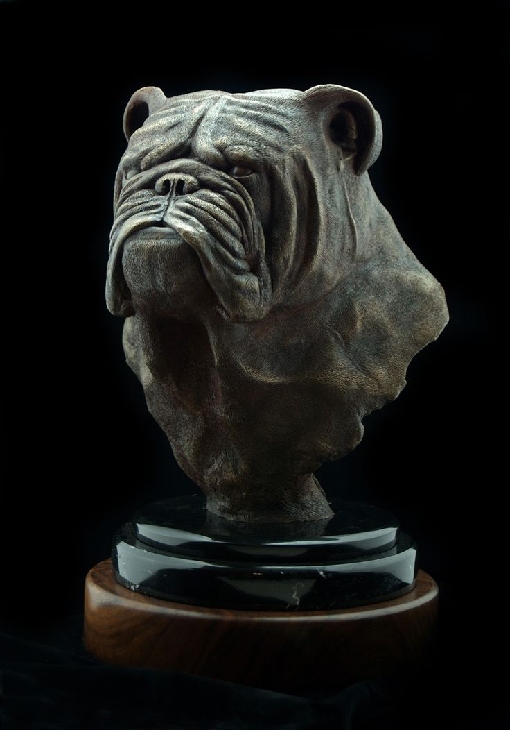 Dog art of an English Bulldog bronze statue