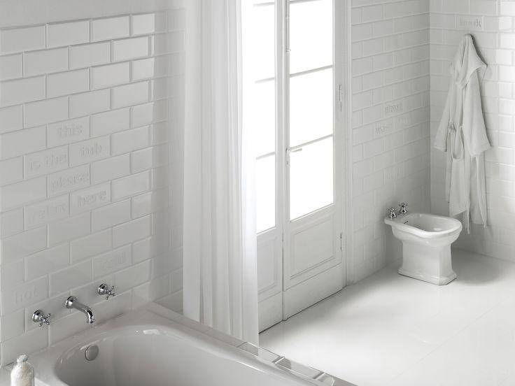 Pro obklady a dlažby série PUN je charakteristická anglická elegance. Konzervativní styl odlehčují speciální kousky obkladů s popisky jednotlivých doplňků Vaší koupelny. Díky nim si můžete vyskládat originální koupelnu podle Vašich představ. Série Pun je kombinací kreativity, kultury materiálů a technologických vědomostí.  http://www.maag-czech.cz/obklady-a-dlazby/koupelny/pun/