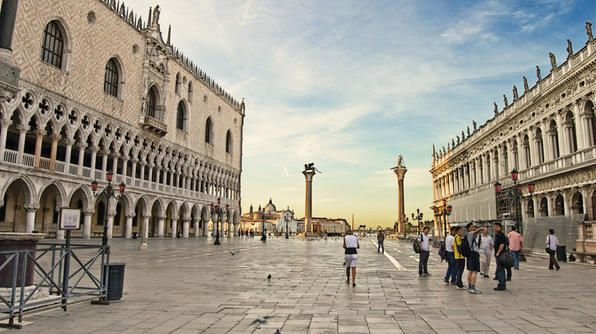 Would love to visit St. Mark's Square- Located in the heart of Venice!: Photo