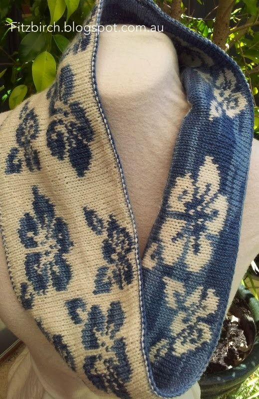Double Knit Floral Cowl - Free Knitting Pattern by Fitzbirch Crafts.