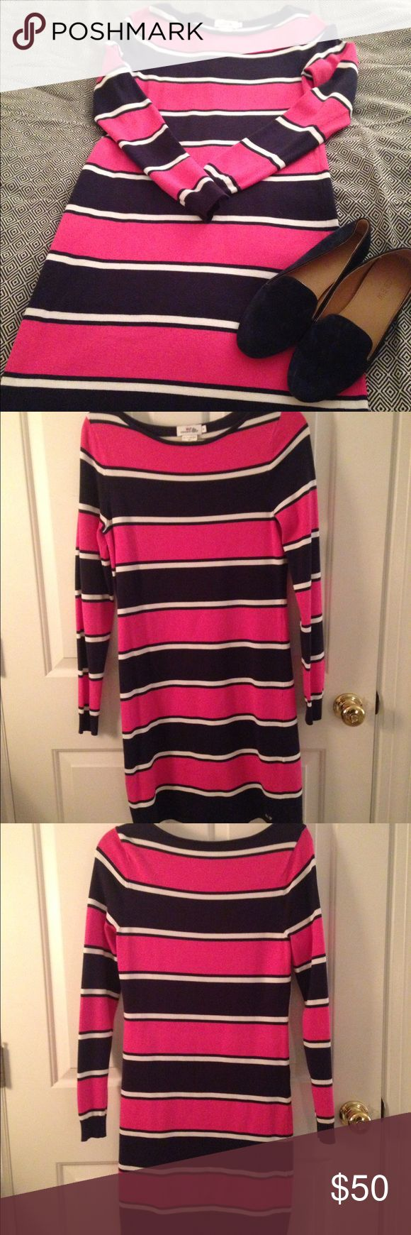 Vineyard Vines Sweater Dress, Pink/Navy, Small This adorable, Navy/Pink/White striped sweater dress from Vineyard Vines was purchased at a warehouse sale. It was only worn once and is in great condition! Vineyard Vines Dresses Long Sleeve