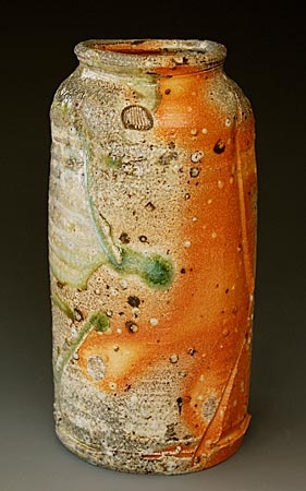 The ceramic work of this artist is raw and beautiful. The coloration on them is particularly beautiful. The pots are left unglazes and the surface takes on markings and colors during firing. Lots to admire here. Akira Satake - Yakishime Vase akirasatake.com