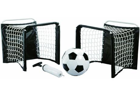 Set de fútbol playa compuesto por porterías, balón y mancha de aire.