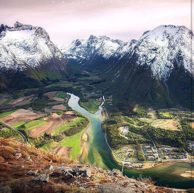 Paisagem em Åndalsnes, Noruega.