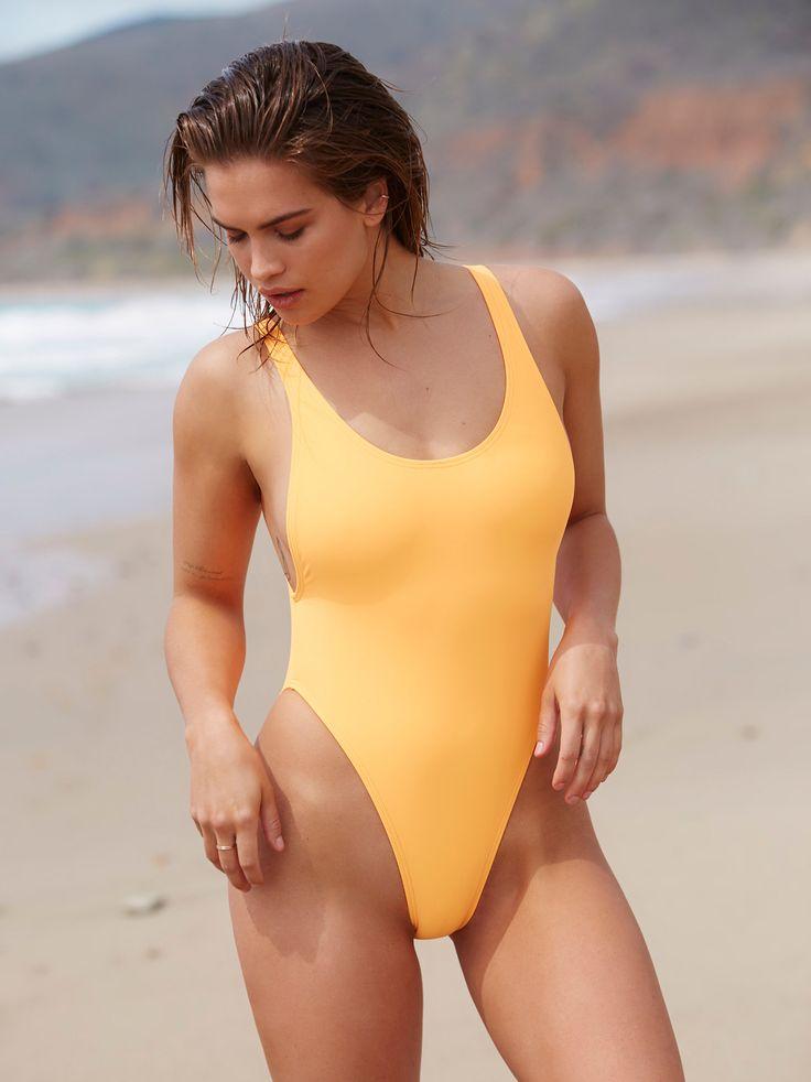 Kylie jenner drops smoking hot twerking vid in mega